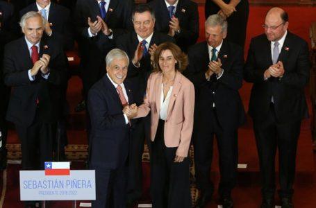 Presidente Piñera sale a dar su apoyo a ministra Cubillos