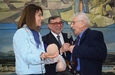 """Emotiva ceremonia de premiación del III Concurso Literario Deportivo """"Carlos Bernal Silva"""" se desarrolló en Talca"""