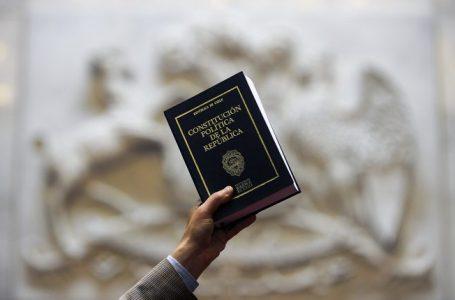 244 profesores de derecho y ciencia política respaldan proceso de nueva Constitución