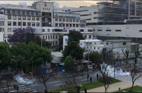FFEE lanza lacrimógenas al interior de hospital en Valparaíso