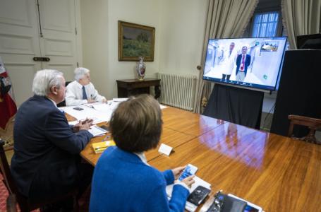 Bloomberg analiza como el gobierno chileno enfrenta la pandemia