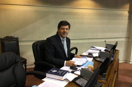 Senador Juan Castro impulsa ley que sanciona hostigamiento telefónico por cobros