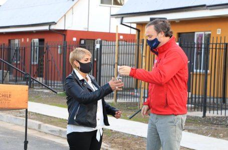 Ministro Ward entrega llaves e inaugura conjunto habitacional Bicentenario II en la comuna de Romeral