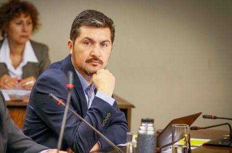 Diputado Hugo Rey presenta propuesta para que el Estado asuma las deudas de pensión de alimentos y persiga a los deudores