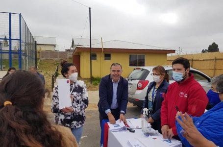 Familias de Villa Esmeralda en San Clemente reciben escrituras de sus viviendas
