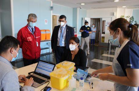 Comenzó segundo proceso de vacunación a personal de salud en la región del Maule