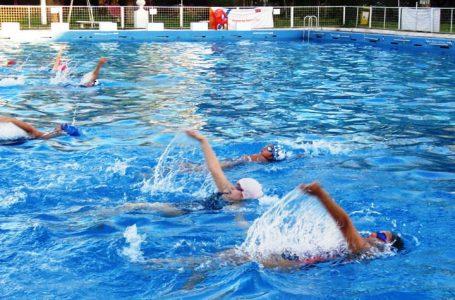 Equipo de nadadores maulinos del CEM mejora aspectos técnicos