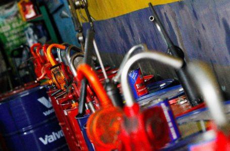 Curicanos pueden inscribirse para reciclar aceites lubricantes y baterías en desuso