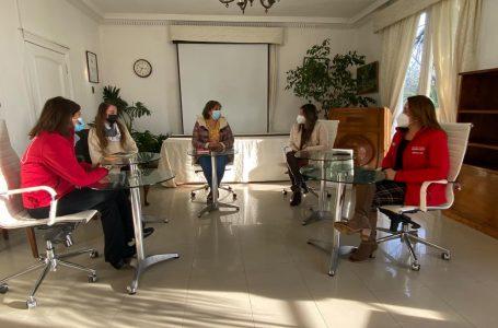 Seremi la Mujer, SernamEG y Prodemu realizan saludo protocolar a nueva Alcaldesa de Teno