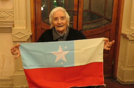 Día del Alzheimer: ¿Cómo recuerda la bandera una persona mayor con Alzheimer?
